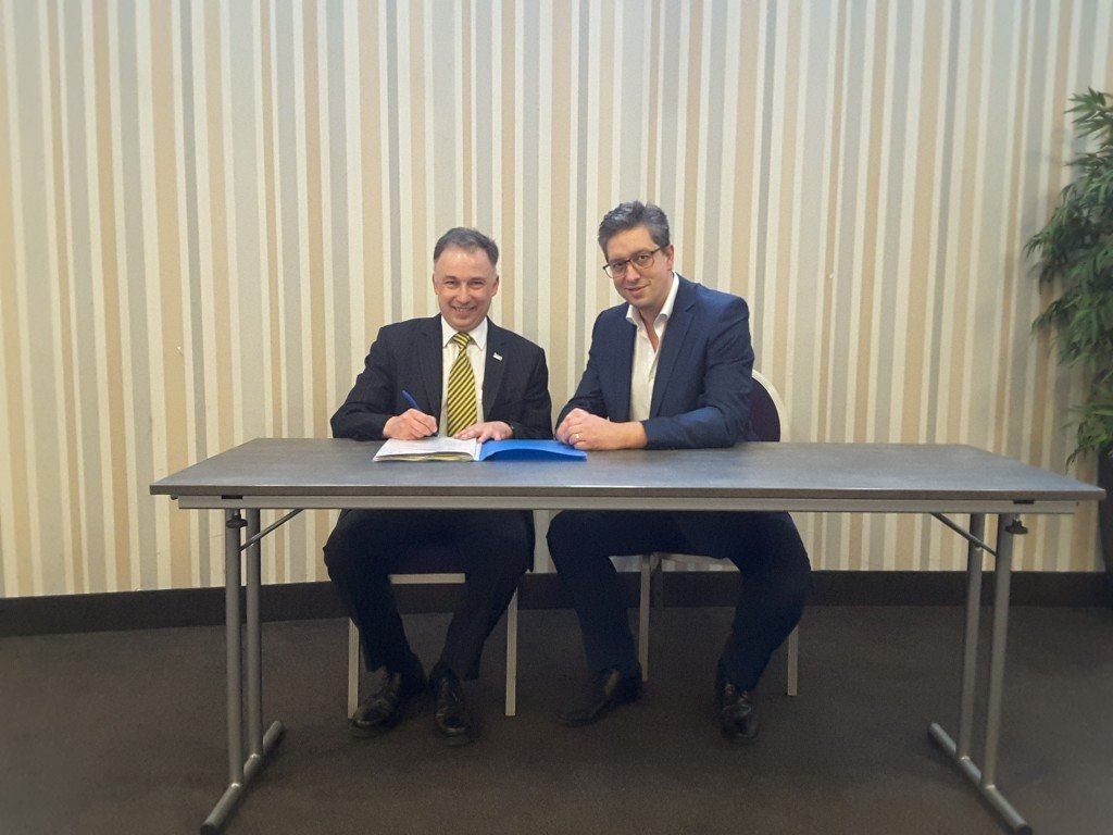 IAFA President Michael Smith (left) and AFBN President Gian Zandoná